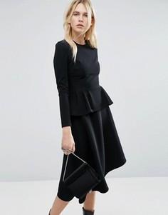 Приталенное платье миди с баской ASOS - Черный