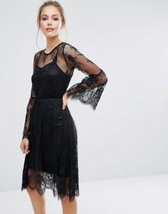 Кружевное платье миди с рукавами-клеш Boohoo - Черный