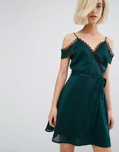 Платье-комбинация с кружевной отделкой и запахом J.O.A - Зеленый J.O.A.
