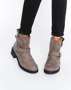 Байкерские ботинки из искусственной замши New Look - Серый