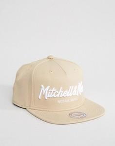 Бейсболка с логотипом Mitchell & Ness - Бежевый