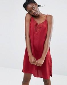 Платье на бретельках с кружевной отделкой Monki - Красный