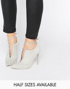Туфли на каблуке с заостренным носком и шнуровкой ASOS PRYCE - Серый