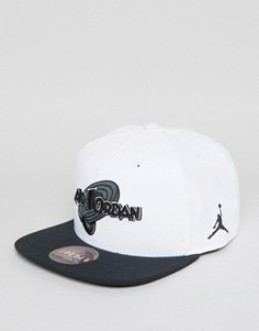 Белая бейсболка Nike Jordan X Space Jam 836413-100 - Белый