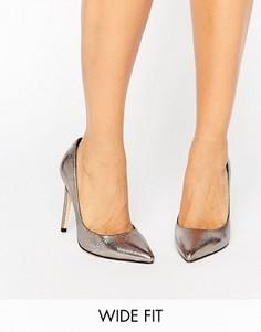 Туфли-лодочки с эффектом металлик для широкой стопы Faith Cliff - Серебряный