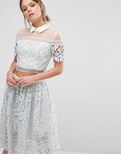 Комбинируемая блузка с кружевом и контрастным воротником Chi Chi London - Серый
