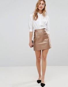 Мини-юбка из искусственной кожи цвета металлик New Look - Коричневый