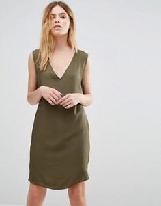 Платье-комбинация с V-образным вырезом Native Youth - Зеленый