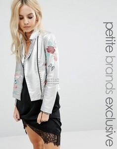 Байкерская куртка из искусственной кожи с цветочной вышивкой Glamorous Petite - Серебряный