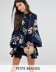 Короткое приталенное платье с расклешенными рукавами Glamorous Petite - Мульти