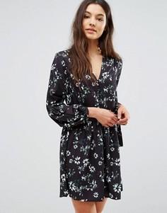 Платье с цветочным принтом и завязкой сбоку Greylin Benson - Черный