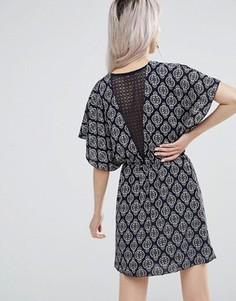 Платье с кружевом сзади Wal G - Темно-синий