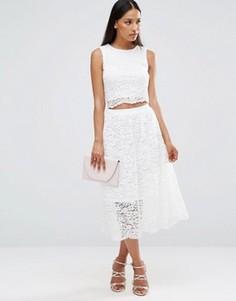 Кружевное платье миди без рукавов с вырезом на талии AX Paris - Кремовый