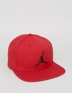 Красная бейсболка Nike Jordan Jumpman 619359-688 - Красный