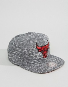 Серая бейсболка Mitchell & Ness Noise Chicago Bulls - Серый