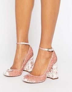 Бархатные туфли на высоком блочном каблуке ASOS PARADE - Розовый