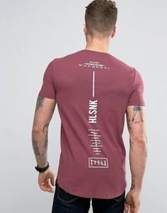 Длинная футболка с асимметричным подолом и принтом на спинке ASOS - Красный