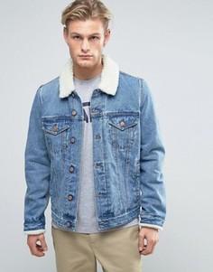 Джинсовая куртка с воротником борг ASOS - Синий