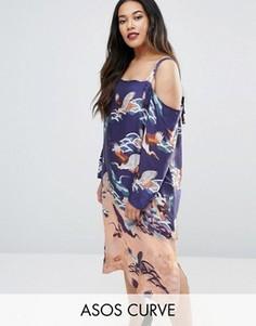 Платье с вырезами на плечах и принтом цветов и бабочек ASOS CURVE - Мульти