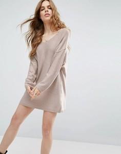 Вязаное платье-джемпер с двухсторонним вырезом ASOS - Розовый