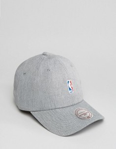 Регулируемая кепка с логотипом NBA Mitchell & Ness - Серый