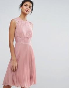 Плиссированное платье миди Elise Ryan - Розовый