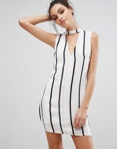 Цельнокройное платье в полоску с V-образным вырезом Love & Other Things - Белый