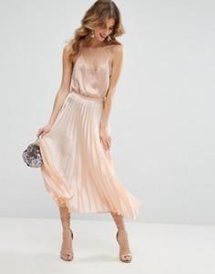 Плиссированная атласная юбка миди ASOS - Розовый