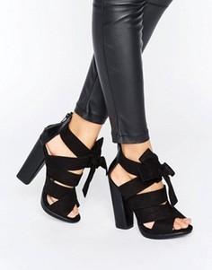 Черные сандалии с перекрестными ремешками и бантом Little Mistress - Черный