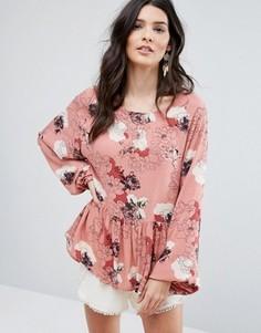 Топ с цветочным принтом и баской Vila - Розовый
