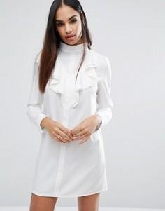 Цельнокройное платье с длинными рукавами и оборками Missguided - Кремовый