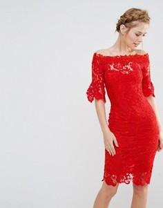 Платье кроше с открытыми плечами и рюшами на рукавах Paper Dolls - Красный