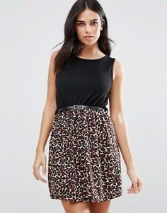 Короткое приталенное платье с леопардовым принтом Pussycat London - Черный
