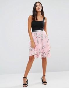 Плиссированная юбка с цветочным принтом Wal G - Розовый