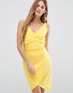 Платье с драпировкой спереди Wal G - Желтый