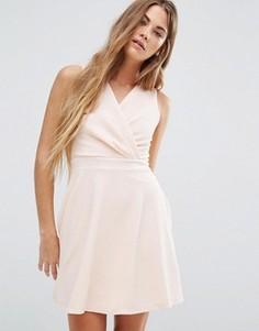 Короткое приталенное платье Wal G - Розовый