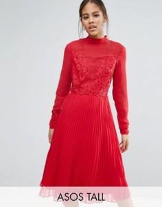 Плиссированное платье миди с высокой горловиной и кружевной отделкой ASOS TALL - Красный