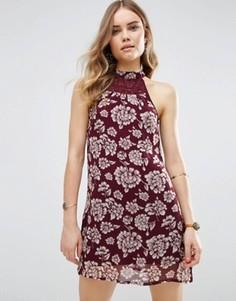 Цельнокройное платье с цветочным принтом Band Of Gypsies - Красный