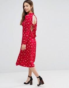 Красное приталенное платье миди с цветочным принтом и открытой спиной ASOS - Мульти