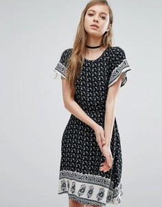 Платье с принтом пейсли Trollied Dolly - Черный