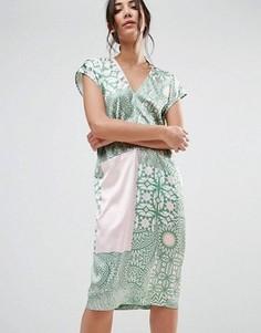 Цельнокройное платье с V-образным вырезом и принтом Traffic People - Мульти