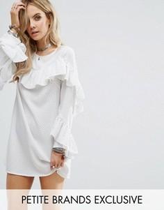 Платье в горошек с оборками Glamorous Petite - Белый