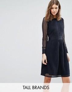 Короткое приталенное кружевное платье с длинными рукавами Y.A.S Tall - Черный