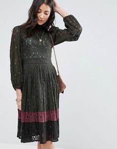 Кружевное платье в стиле колор блок Raga Lexington - Зеленый
