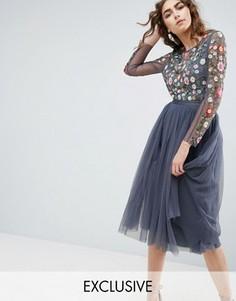 Платье миди с длинными рукавами и вышивкой Needle and Thread - Синий