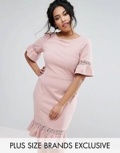 Платье-футляр с расклешенными рукавами и баской Paper Dolls Plus - Розовый