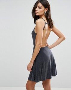 Короткое приталенное платье с открытой спиной и лямками Oh My Love - Серый