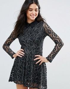 Короткое приталенное кружевное платье с контрастным воротником Oh My Love - Черный