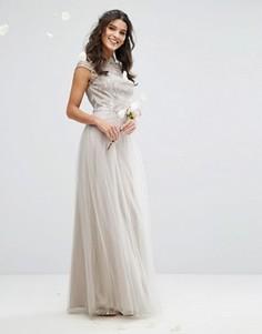 Премиум-платье макси с кружевом и юбкой из тюля Chi Chi London - Серый