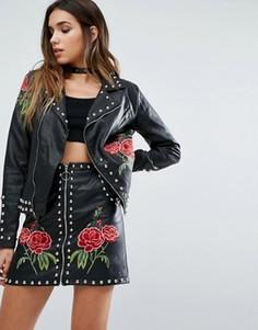 Байкерская куртка из искусственной кожи с заклепками и вышитыми розами Missguided - Черный